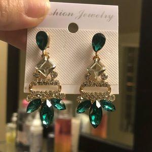Glamorous elegant earrings